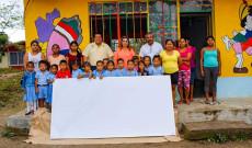 Continúa Argeniz Vázquez Copete apoyando a la educación en las comunidades