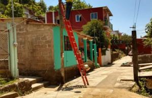 Continuamos con la rehabilitación de luminarias en la cabecera municipal: Argeniz Vázquez Copete