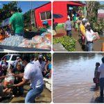 Entrega Christian Romero víveres a zona rural inundada de Tlacotalpan
